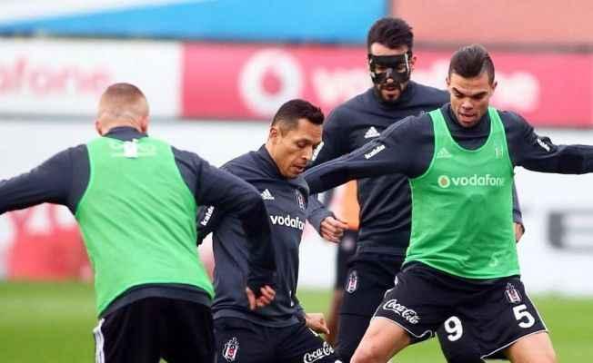 Beşiktaş kapalı çalıştı