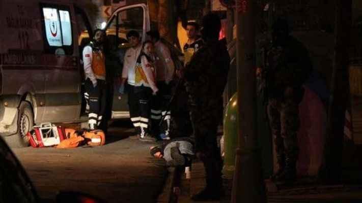 Gece kulübü önünde silahlı çatışma! Ölü ve yaralılar var