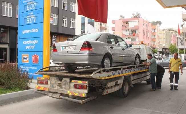 Manavgat'ta ikiz plakalı lüks otomobile el konuldu
