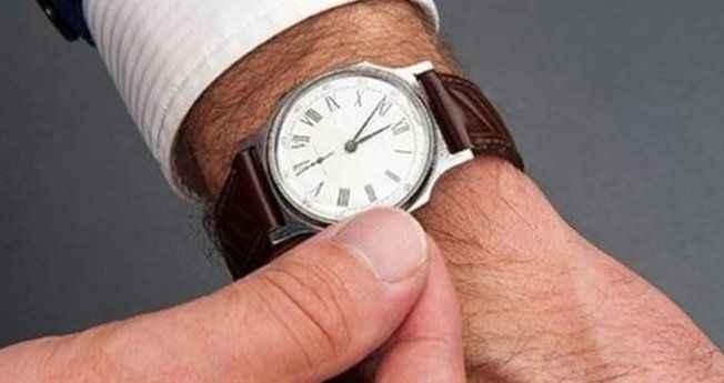 Saati kurmayı unutan bekçi, tazminatsız işten kovuldu
