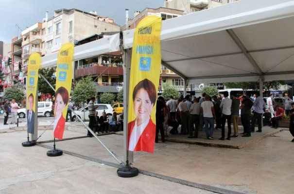 İYİ Parti'den 34 kişi istifa etti