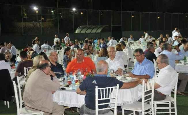 Alanyaspor camiası iftar davetinde buluştu