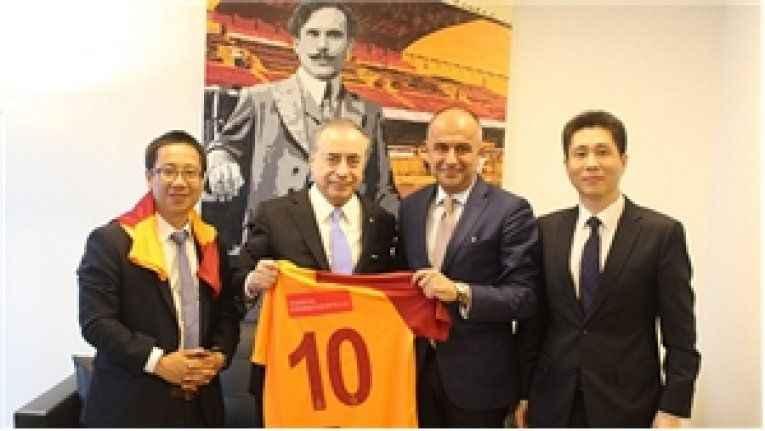 Çinlilerden Galatasaray'a tebrik ziyareti