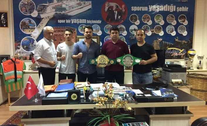 Boks'un dünya şampiyonları Alanya'da