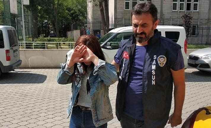 Genç kız 'bakışma' yüzünden diğer kızı bıçakladı