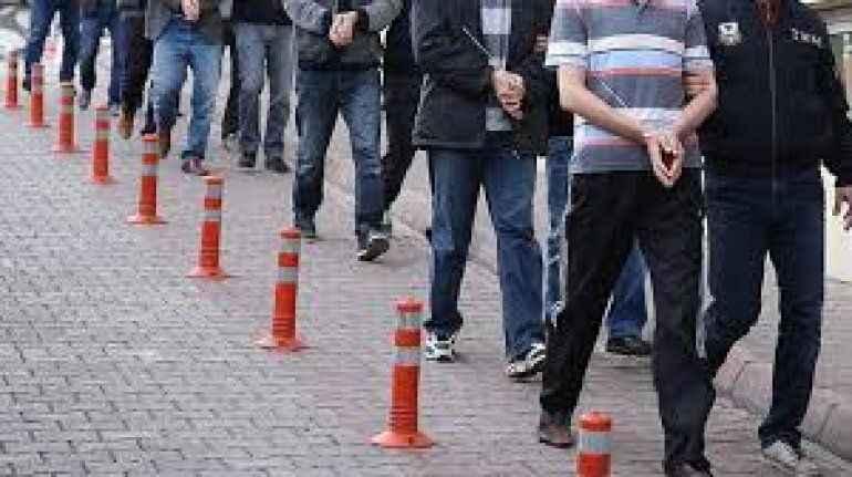 Antalya'da aranan 165 kişi yakalandı