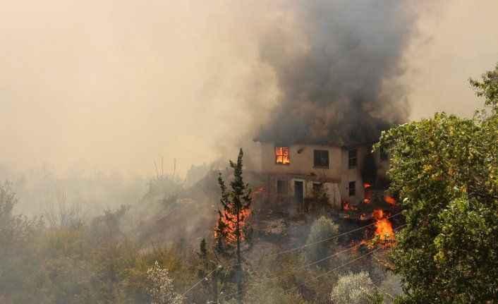 Antalya'da orman yangını uyarısı