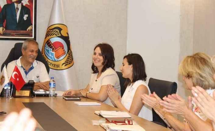 Göç idaresi il müdürlüğü yetkilileri Yabancılar Meclisini ziyaret etti