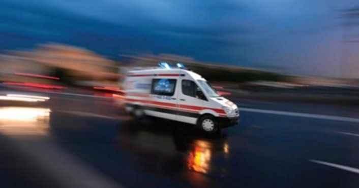 Manavgat'ta itfaiye ile otomobil çarpıştı! 3 yaralı