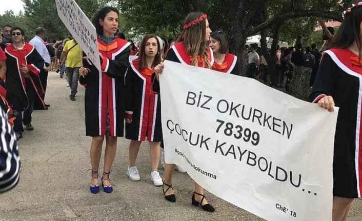ODTÜ'deki pankarta 3 gözaltı