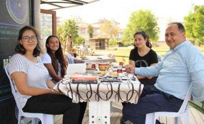 Antalya'da 'Millet Kıraathanesi'