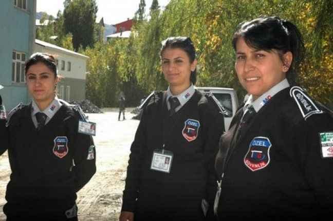 Suçluların korkulu rüyası 'kadın güvenlikçiler'