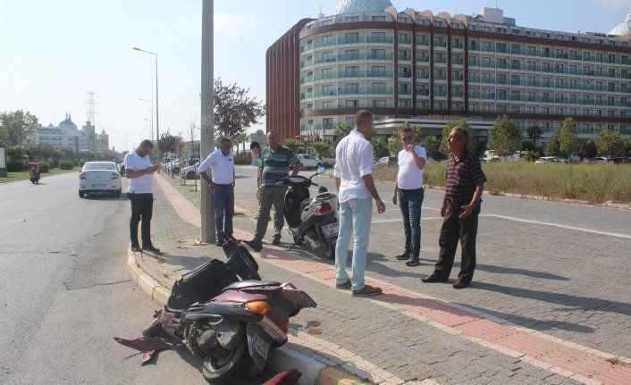 Manavgat'ta motosikletler çarpıştı: 2 yaralı