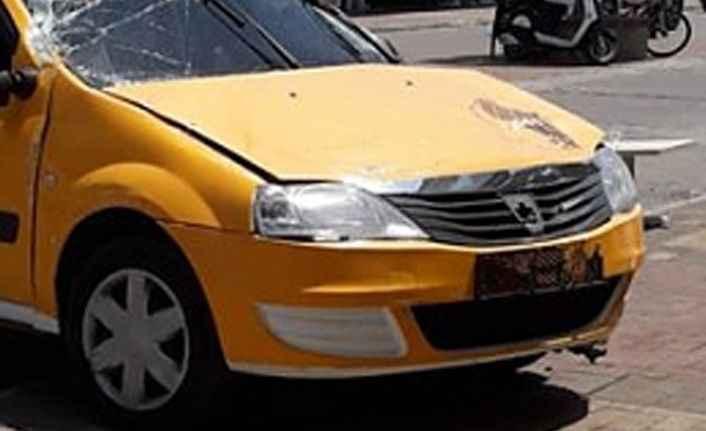 Alanya'da korkunç kaza: Araçlara vurarak durdu