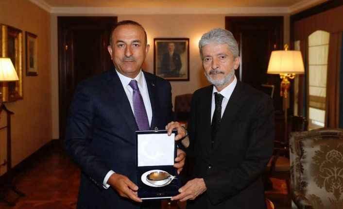 Tuna'dan Çavuşoğlu'na 'hayırlı olsun' ziyareti