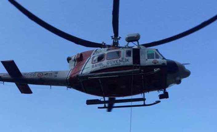Yaralı adam helikopterle kurtarıldı