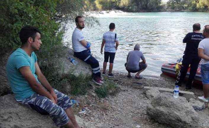 Manavgat Irmağı'na giren genç boğuldu