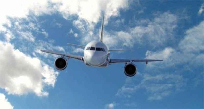 Uçakta dehşet anları: Yolcuların burnu ve kulakları kanadı