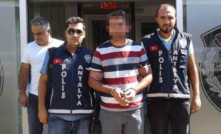 Antalya'da sahte kimlikle dolandırıcılık