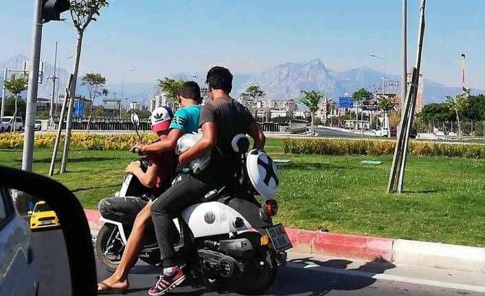 Motosikletlilerin ölümle dansı