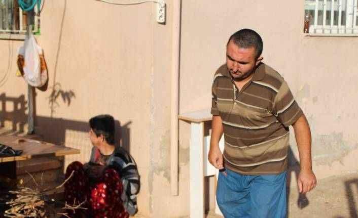 Hırsızlar engelli gençleri eve mahkum etti