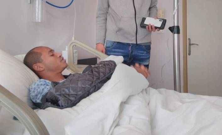 Alanyaspor'lu futbolcunun parmağı kırıldı