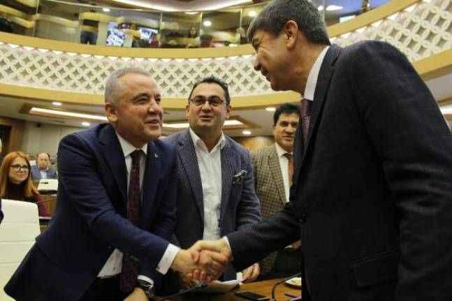 Antalya meclis toplantısında tartışma