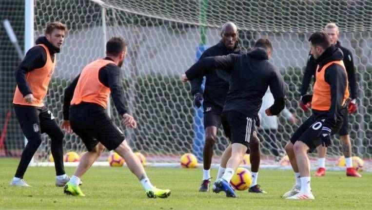 Beşiktaş, Antalya'da 3 iklimli idman yaptı