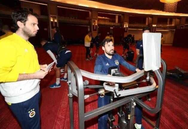 Fenerbahçe'de salonda çalıştı