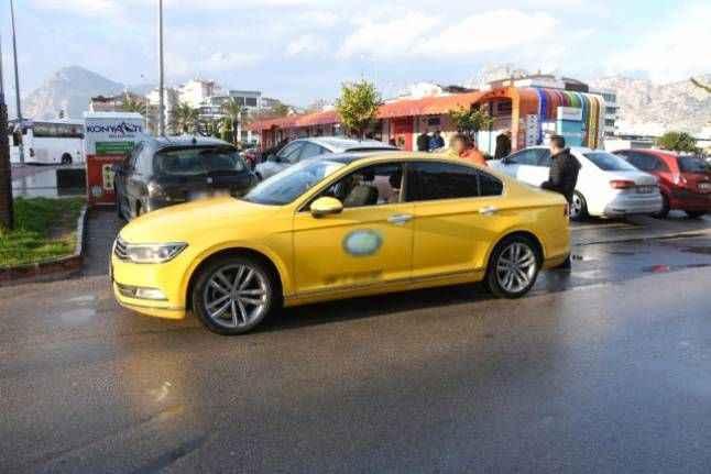 Antalya'da ticari taksilere yönelik denetim