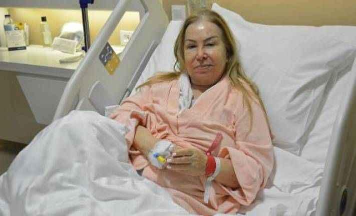 Duayen sanatçı hastaneye kaldırıldı