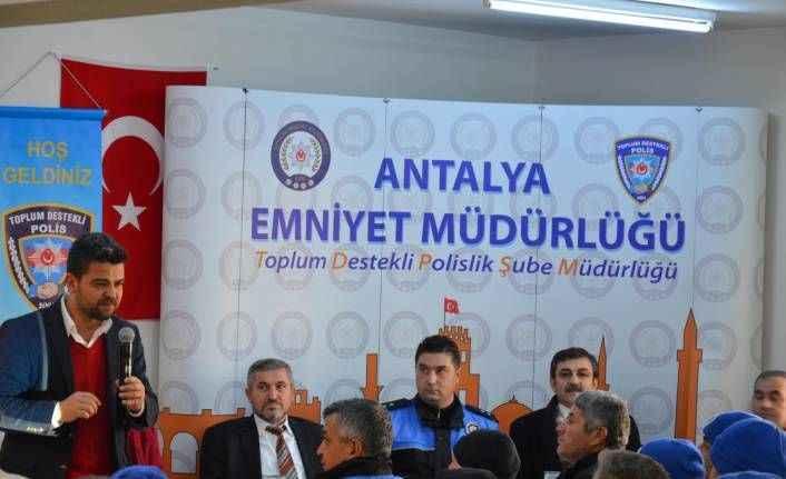 Kepez'de belediye personeline eğitim semineri