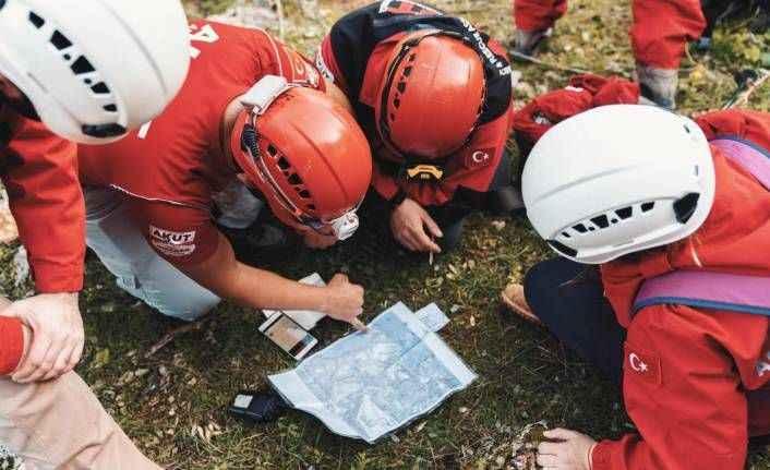 AKUT'tan gönüllülere eğitim