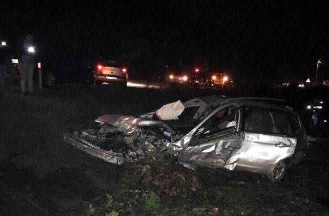 Kaş'ta facia gibi kaza: Aracın motoru dışarı fırladı!