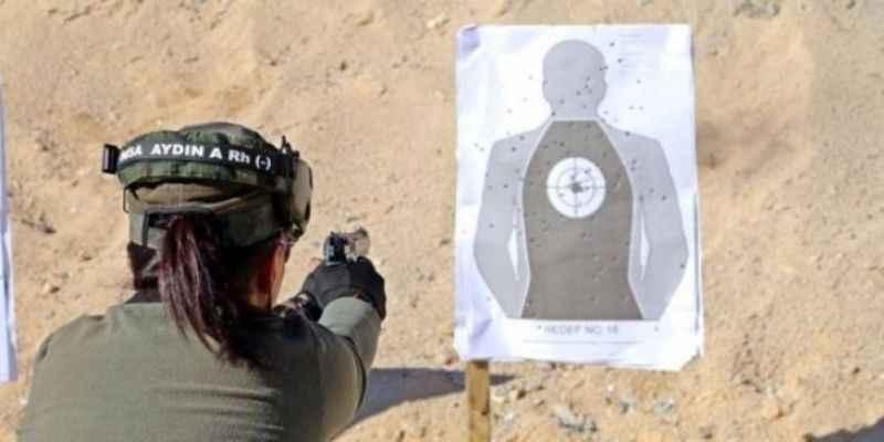 Güvenlik uzmanı Ağar: Kadınlar da askerlik yapmalı