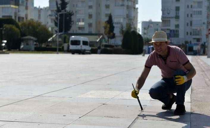 Muratpaşa Kent Meydanı'na dev Türkiye haritası!