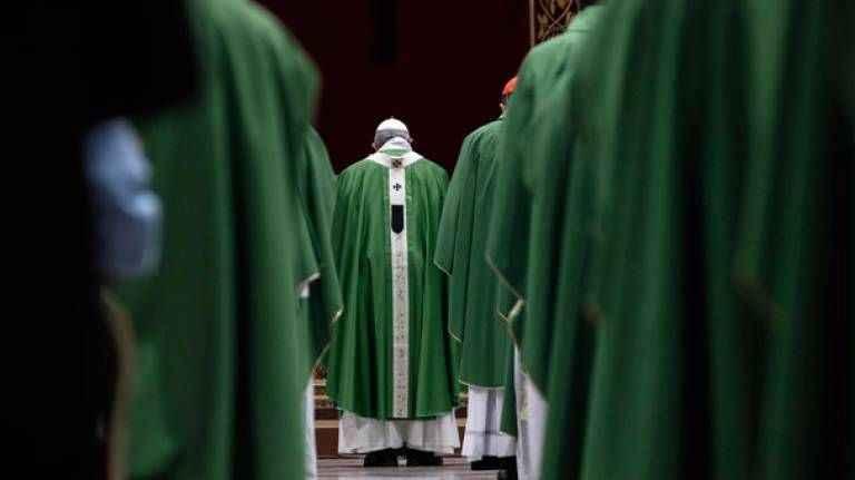 Papa: Çocuk istismarı pagan ayinlerinde insan kurban edilmesi gibi