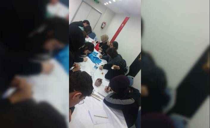 Antalya'da 'Genç Kalemler Yazıyor' projesi