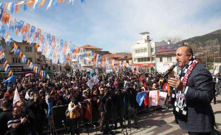 Bakan Çavuşoğlu'ndan Burdur'da önemli açıklamalar