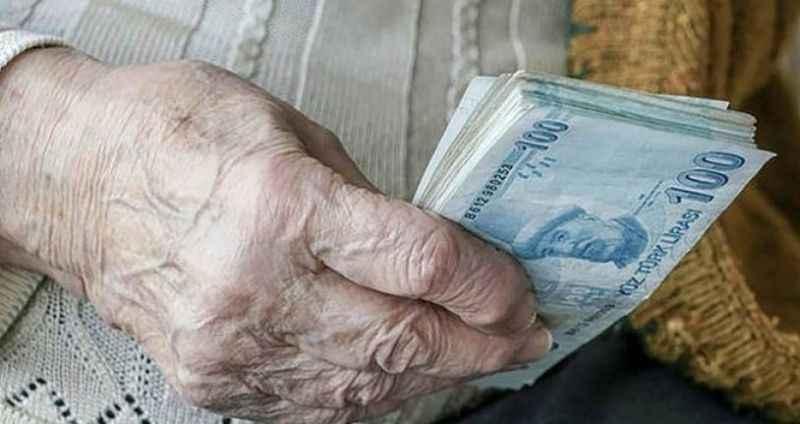 Maaşlarından memnun olmayan emekliler ek zam istiyor