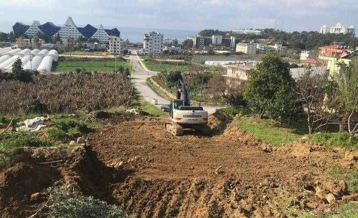 Alanya'nın mahallelerinde yol çalışmaları devam ediyor