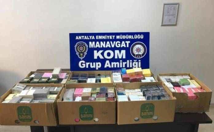 Manavgat'ta sahte parfüm operasyonu