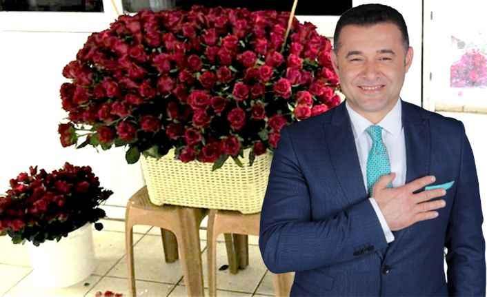 Tutuklu eski başkandan Yücel'e çiçek