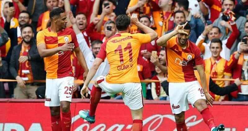 Galatasaray'da flaş ayrılık! İmzayı attı