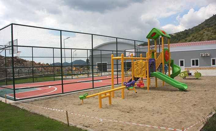 Alanya Belediyesi'nden yeni çocuk parkı