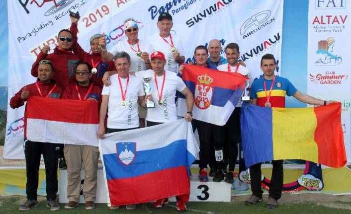 İşte 'Hedef'i 12'den vuranlar: Alanya'daki paraşüt şampiyonası sona erdi