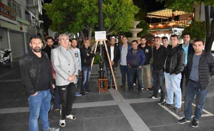 Darağacını kurdular: 'Şehrin meydanına asılmasını istiyoruz'