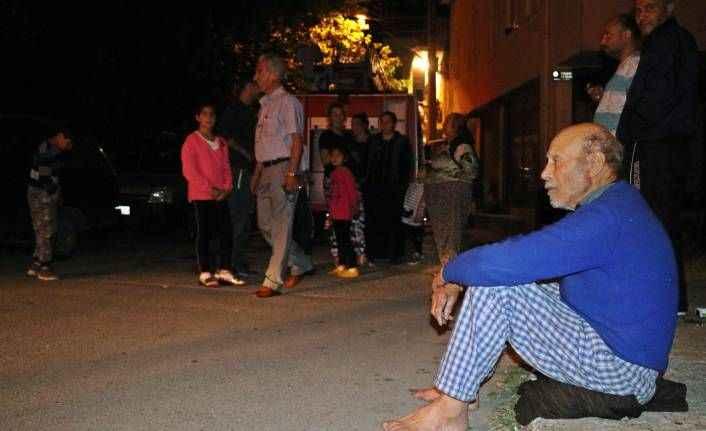 Antalya'da evinin kül oluşunu gözyaşları içinde izledi