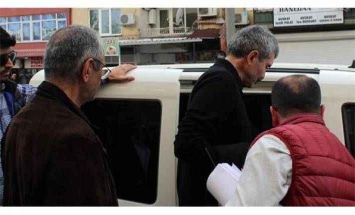 Cezaları onanan Cumhuriyet gazetesi eski çalışanları teslim oldu