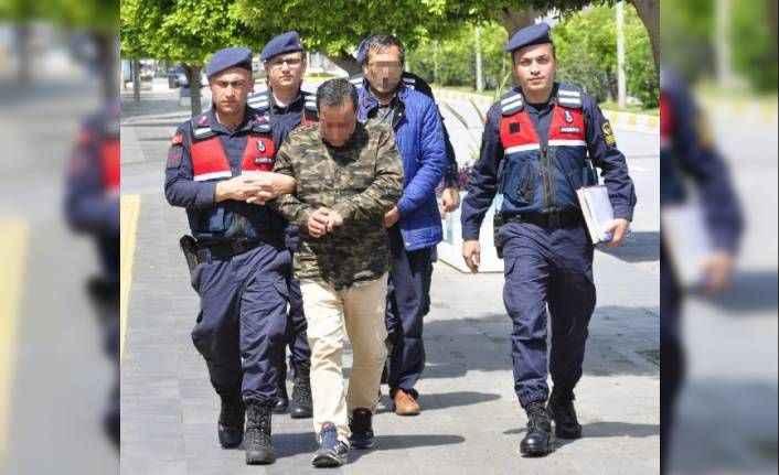 Manavgat'ta otobüsle uyuşturucu sevkiyatı jandarmaya takıldı
